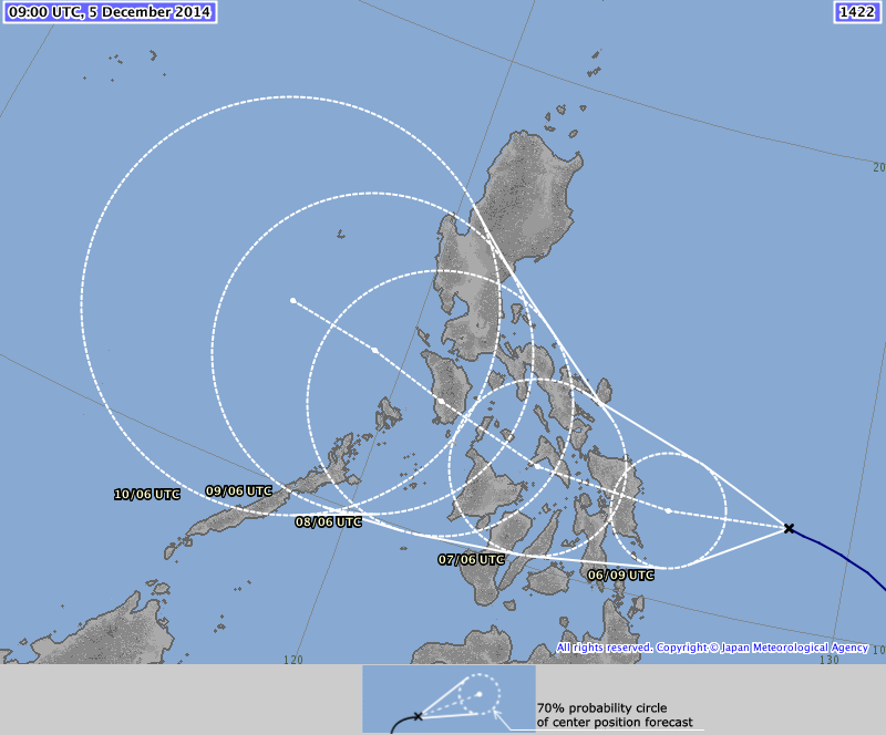 Latest forecast path by JMA.